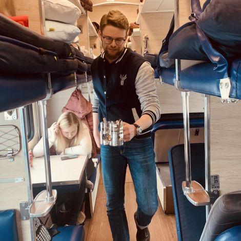 Lange Strecken legt man in Russland am besten mit dem Zug zurück. Für uns…