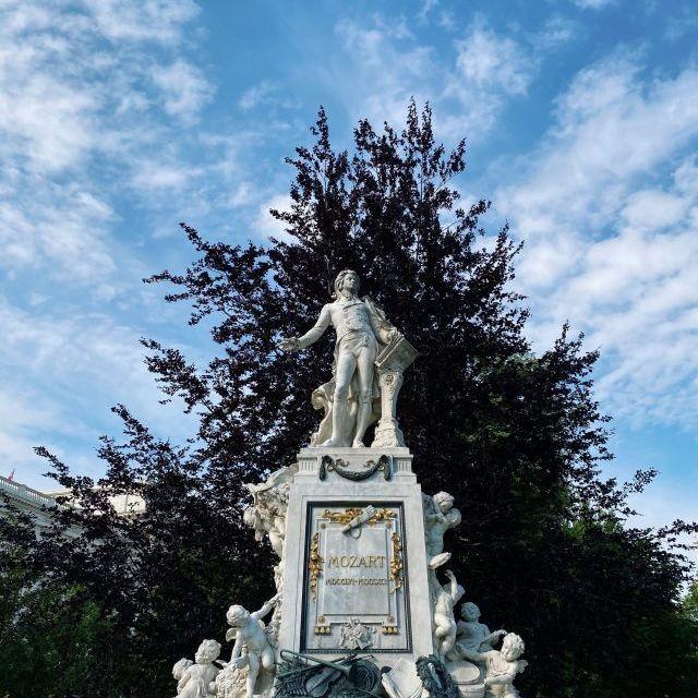 Statue von Mozart in Wien