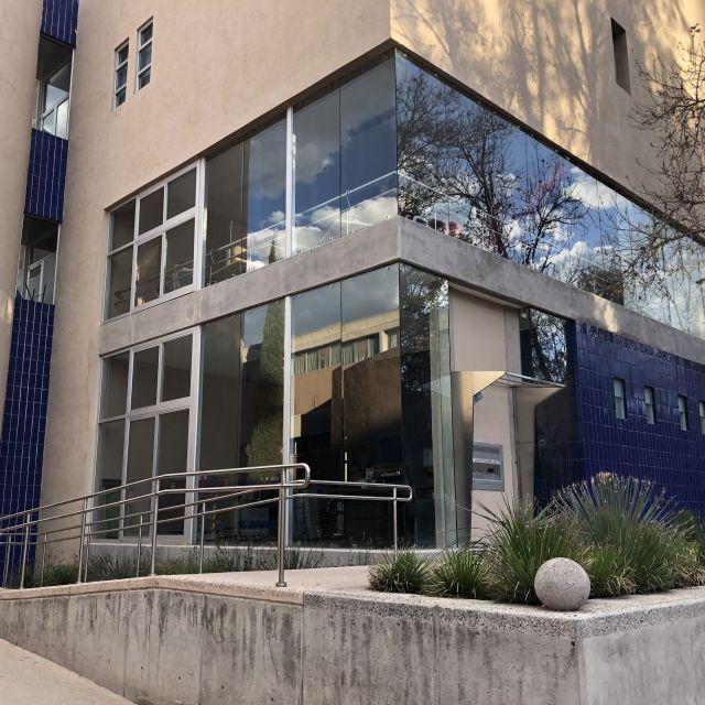 Universitätsbibliothek von außen