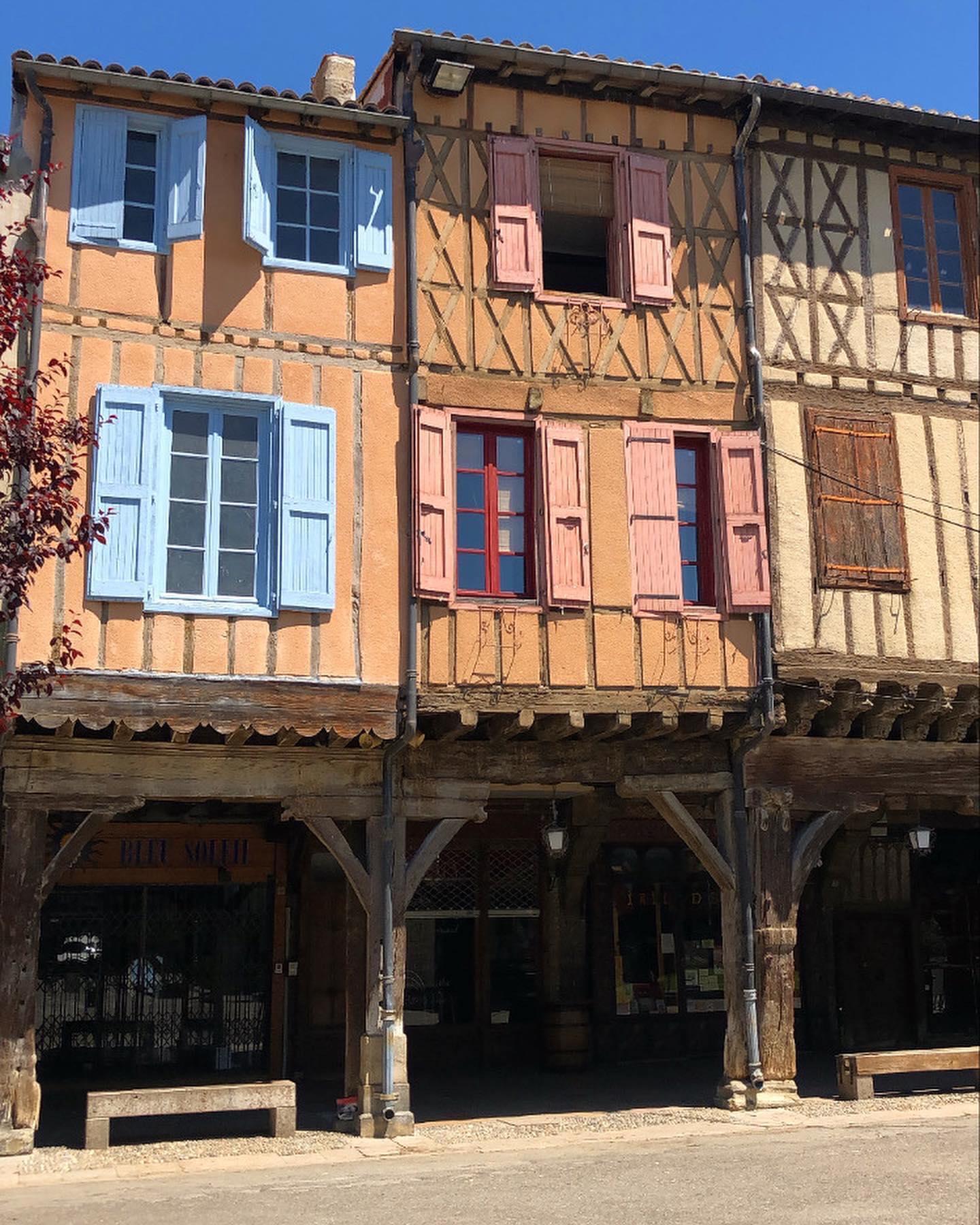 Mirepoix, eine kleine Stadt südöstlich von Toulouse Richtung Pyrenäen,…