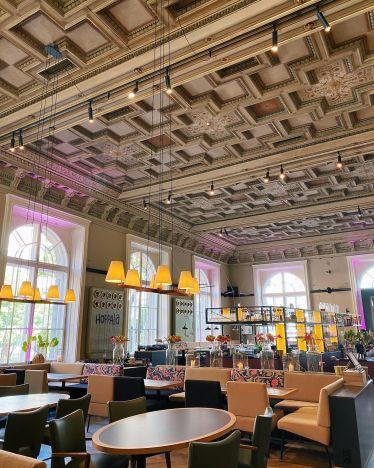 Wien hat so viele schöne Museen. Besonders gut gefallen hat mir das MAK…