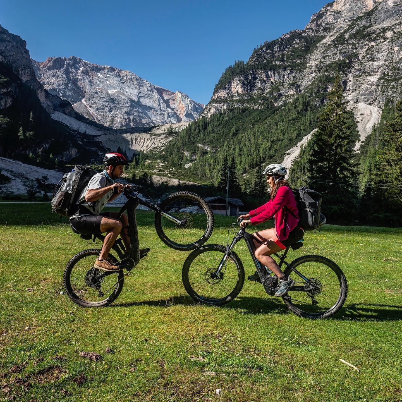 In den Dolomiten kann man auch super radeln. So kamen wir in das Vergnügen uns…