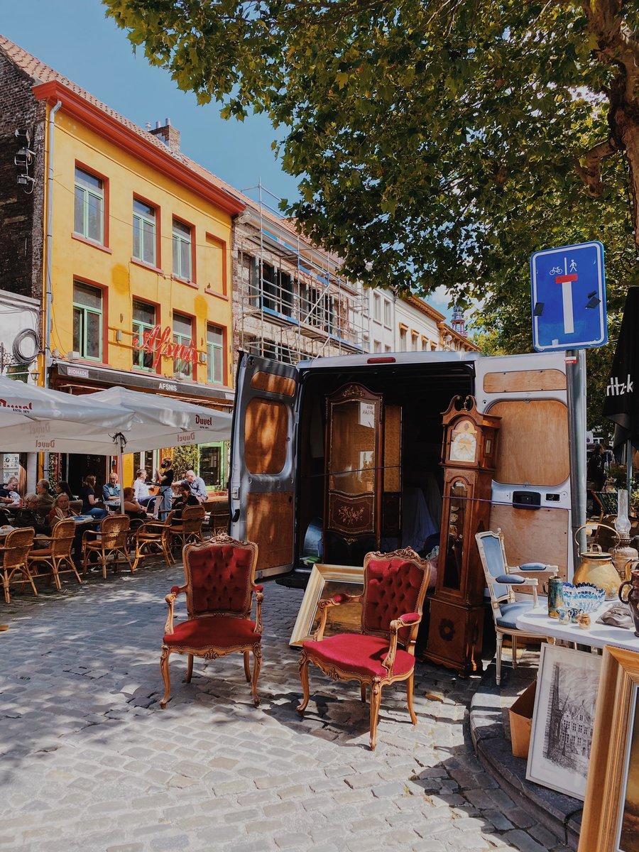 Ein typischer Sonntag in Gent: Zuerst den Antikmarkt besuchen und auf dem Weg…