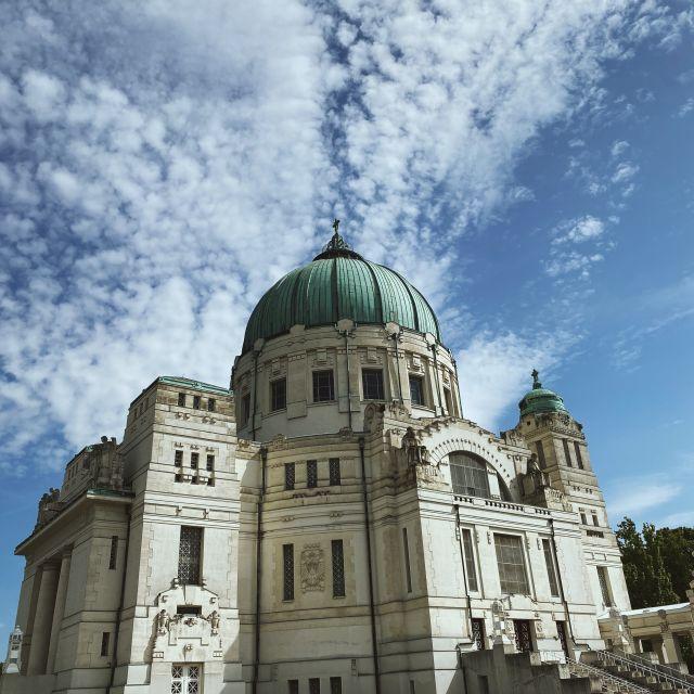 """Friedhofskirche """"Zum Heiligen Karl Borromäus""""."""