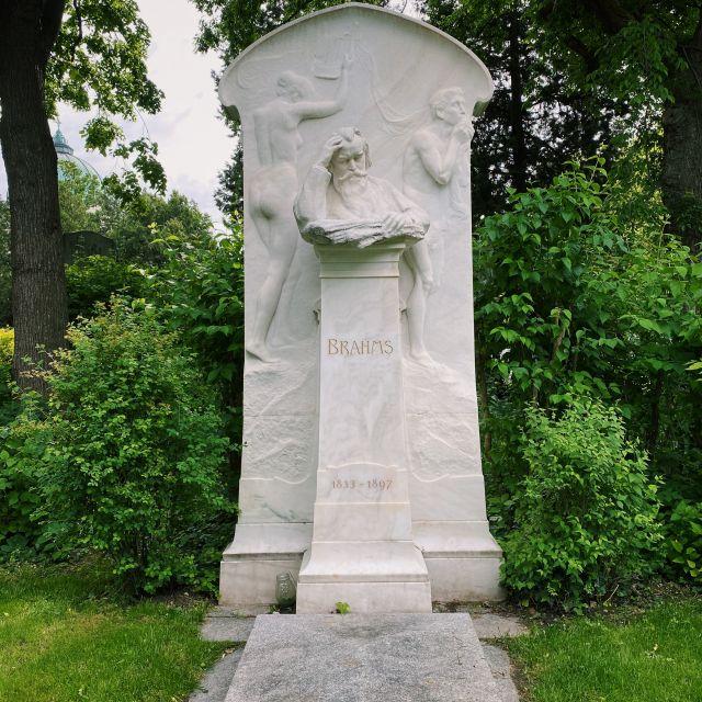 Ehrengrab von Johannes Brahms.