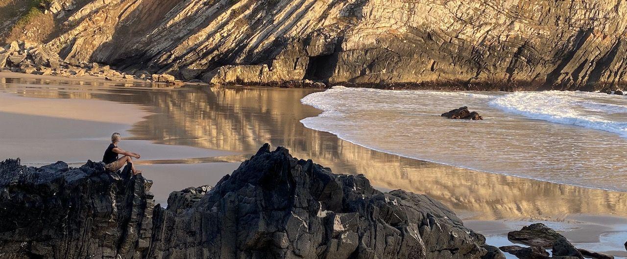 Eine Bucht an der Küste Portugals.