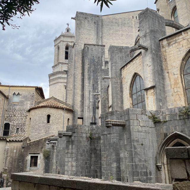 Blick auf die Kathedrale in Girona.