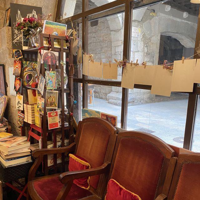 Gemütliche Sessel in dem Buchladen.