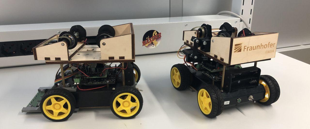 Kleine Fahrzeuge im Fraunhofer Institut.