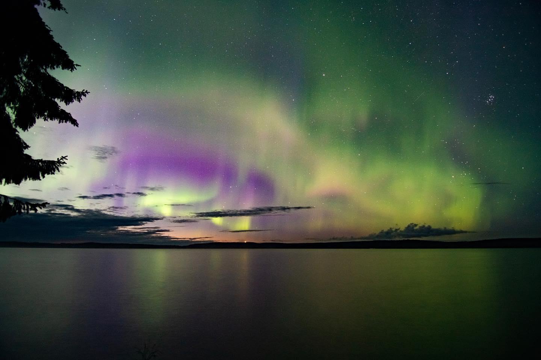 Wenn Sternschnuppen Nordlichter treffen...✨…