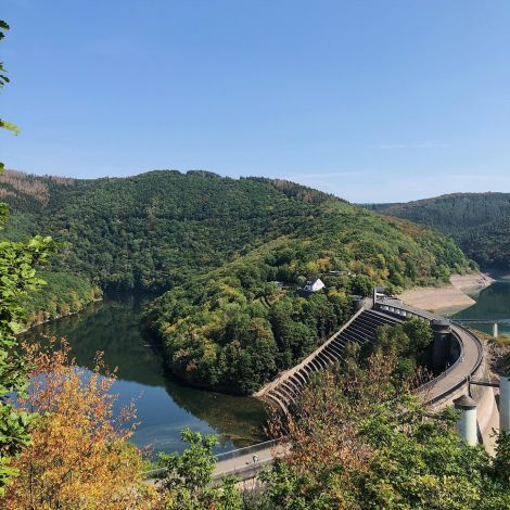 • Einmal Eifelsteig Etappen 3-5 bitte! Quer durch den Nationalpark von Höfen…
