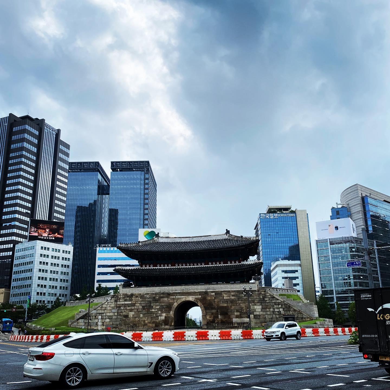 Seoul - eine Stadt wo Tradition auf Moderne trifft. Hier am Beispiel des…