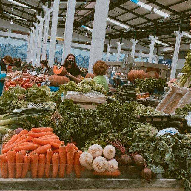 Gemüsestand auf Markt.