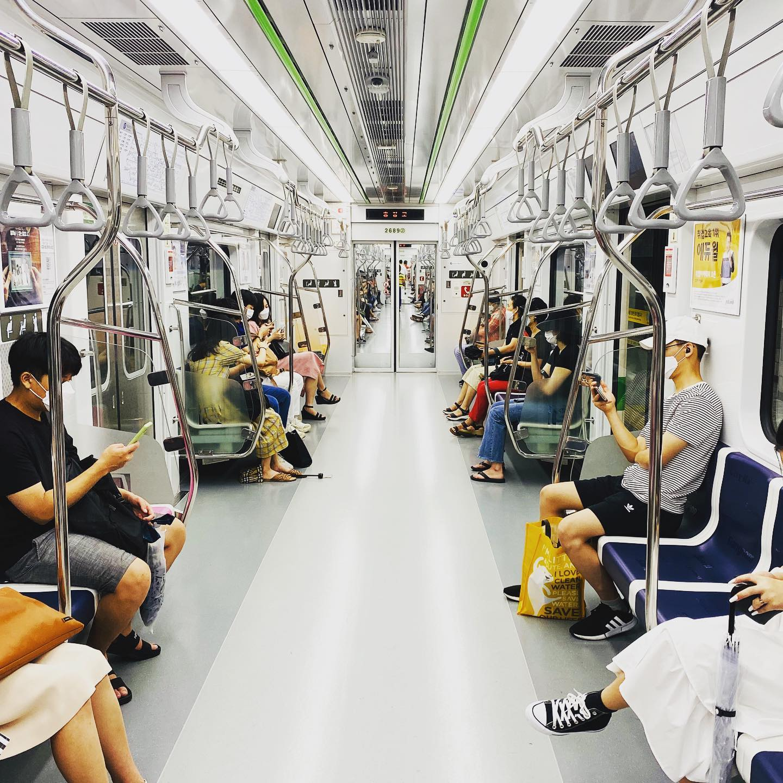 In der U-Bahn Seouls fühle ich mich immer ein paar Jahre in die Zukunft…