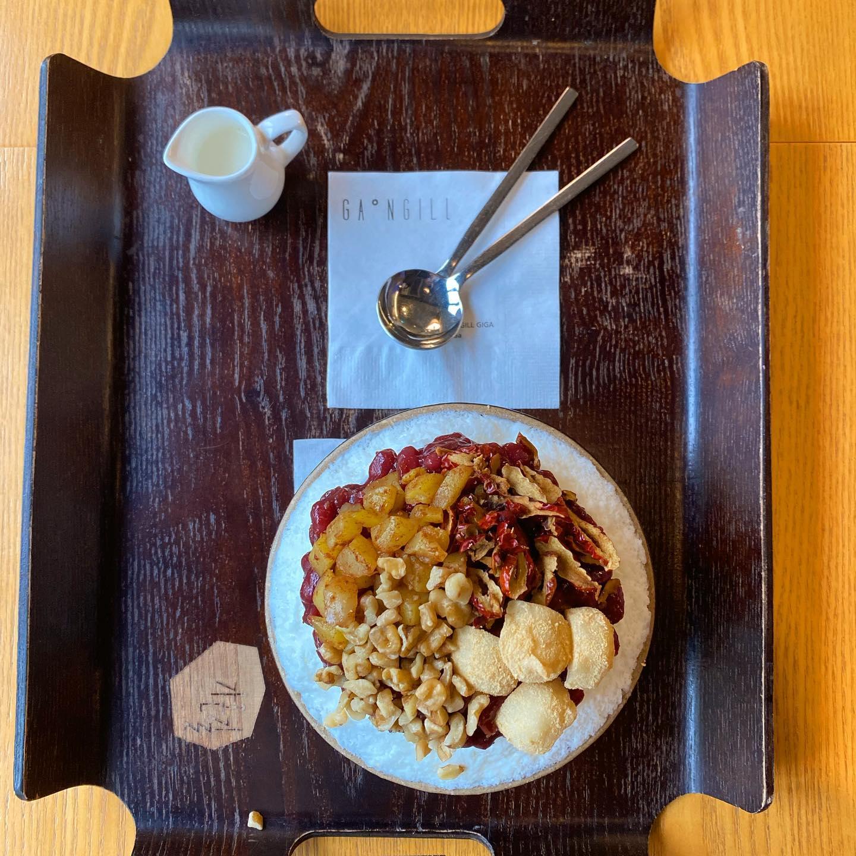 Patbingsu (팥빙수 수): ein beliebter koreanischer Nachtisch, hier aus…