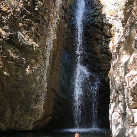 • Erst ne' Runde im frischen Bergwasser schwimmen - das war übrigens so…