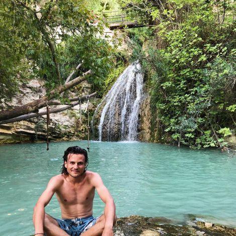 • Hier also nicht Tarzan aus dem Dschungel, sondern Jan auf Zypern - So…
