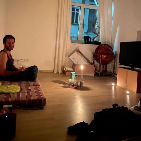 Der harte Schnitt. Möbel verkauft, Wohnung aufgegeben (schweren Herzens). Drei…