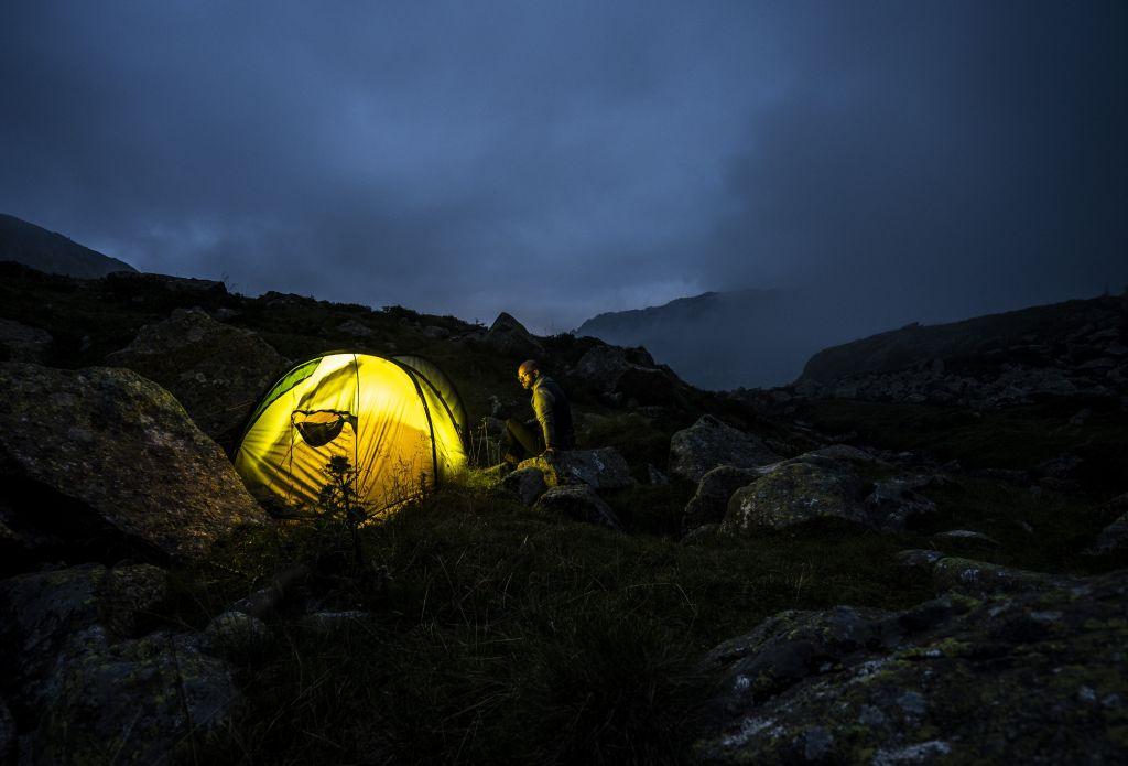 Lightpainting Zelt im Dunkeln