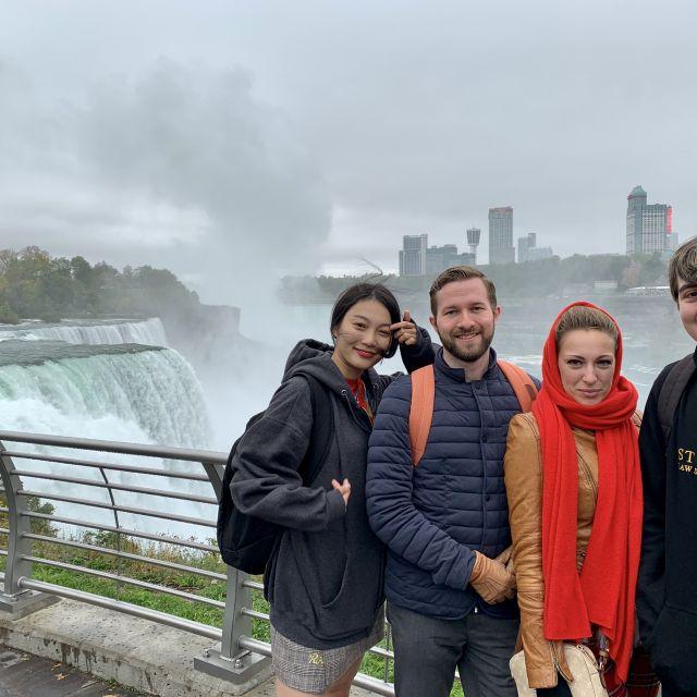 Ashley aus Südkorea, Aki aus Finnland, Ich und Jordan aus Australien. Das war meine Gruppe für den ersten Roastrip in den USA.