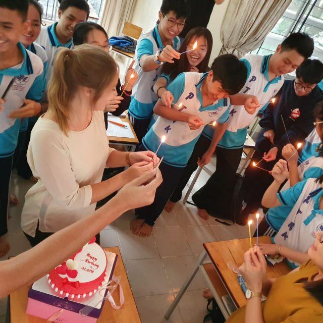 Ich feiere mit meiner Klasse Geburtstag.