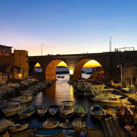 Einer meiner absoluten Lieblingsorte in Marseille um den Sonnenuntergang zu…