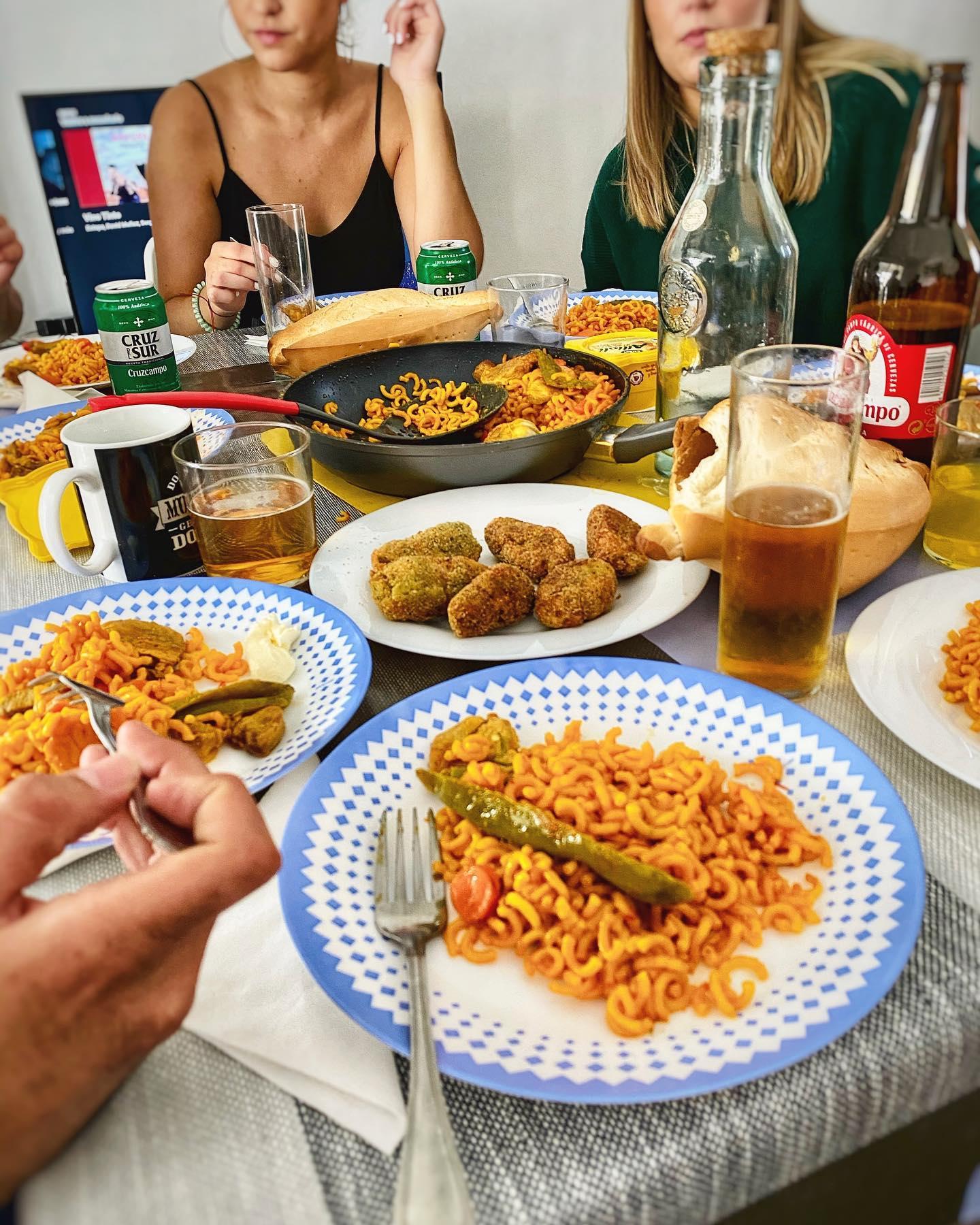 Spanisches Stillleben auf voller Lautstärke! 🥘 🎉 …