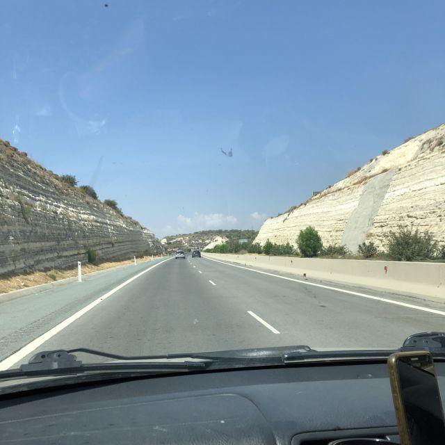 Links auf der Autobahn fahren, bedeutet langsamer fahren.