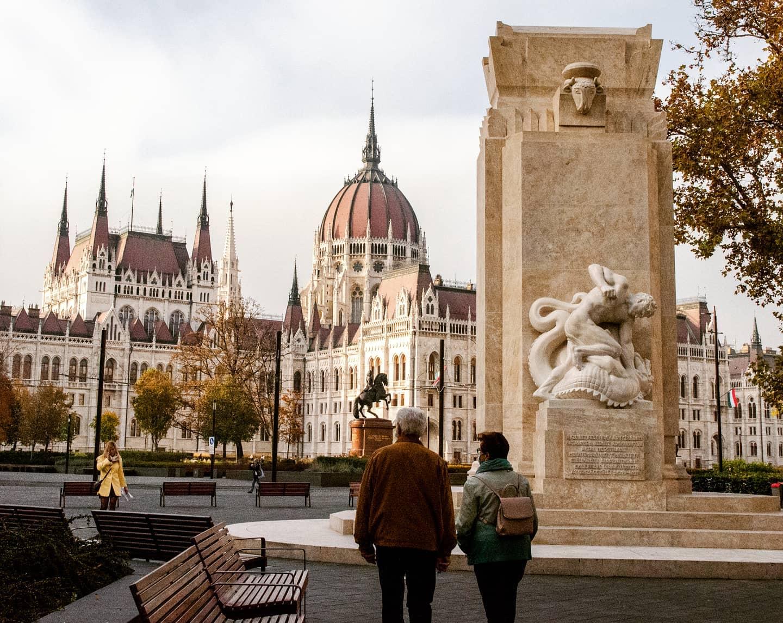 Budapest, du schöne Stadt. Mit all deinen eindrucksvollen Gebäuden und…