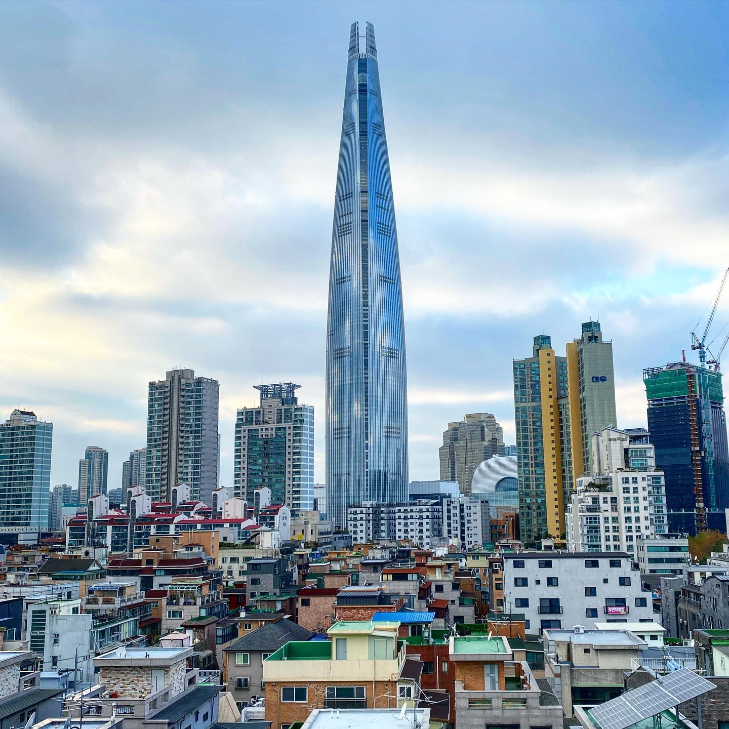 [Lotte World Tower] At 555m the Lotte Tower is South Koreas tallest building…
