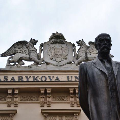 Foto von einem Gebäude der Masaryk University.