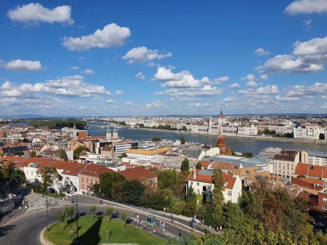 1 Mio Forint + 21 Thermalbäder + Metrolinie M1 = Budapest