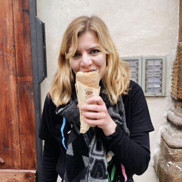 Trdelník - in Deutschland eher als Baumkuchen bekannt - ist ein Gebäck aus…