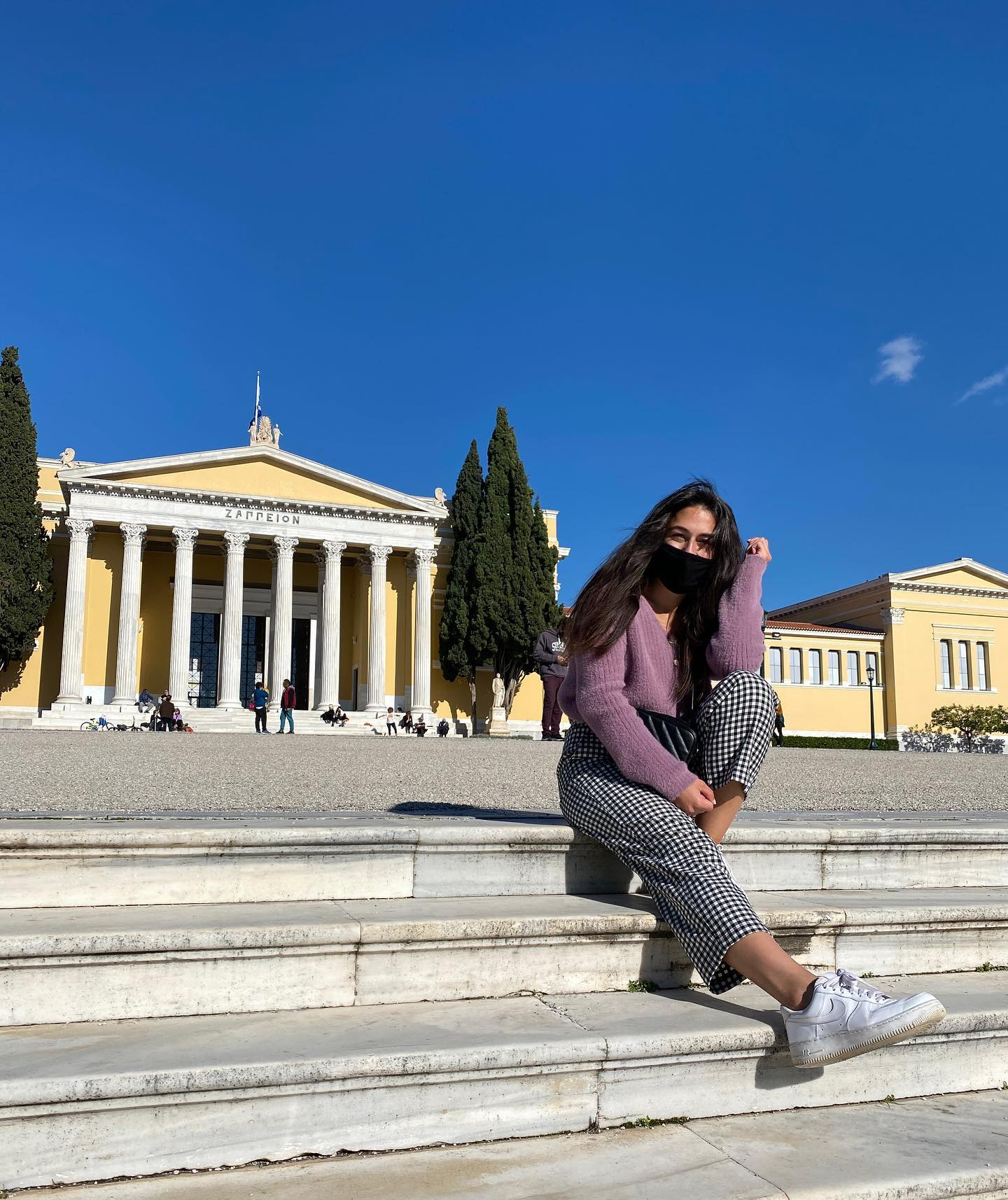 Trotz des Lockdowns hier in Griechenland habe ich irgendwie nicht das Gefühl,…