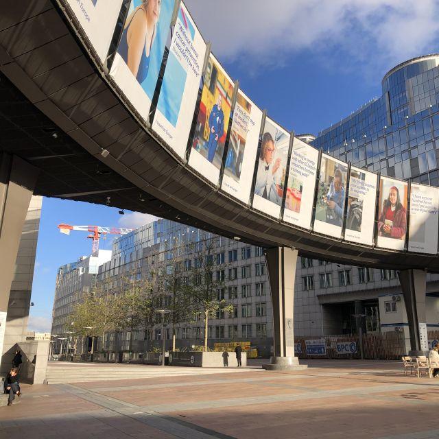 Bogen am Europäischen Parlament
