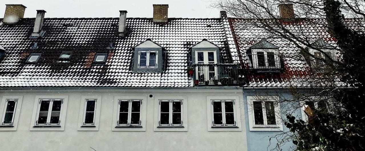 verschneites Haus