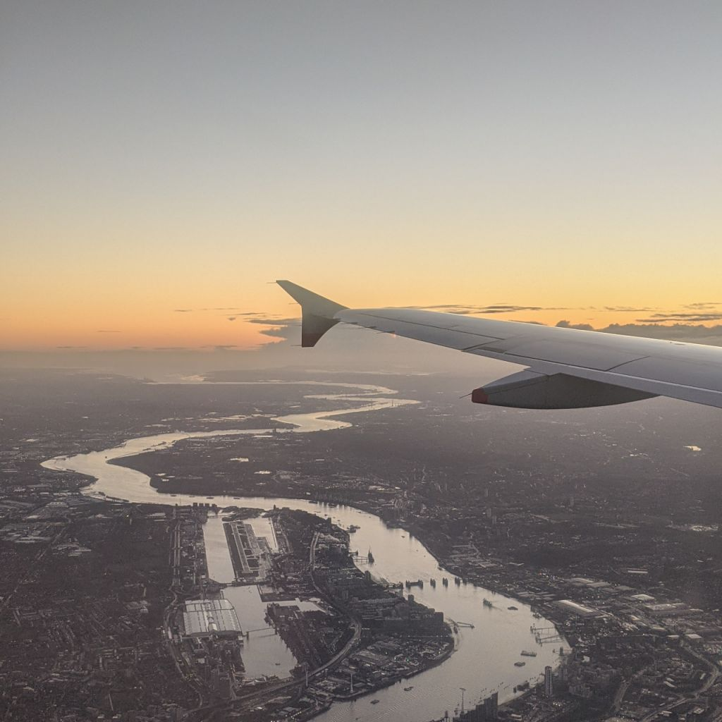 Landeanflug auf den Flughafen London Heathrow.