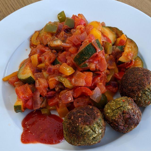 Gemüse mit Falafel.