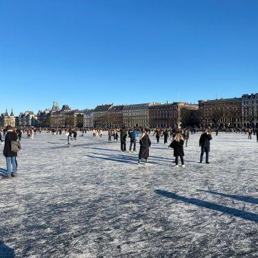Heute konnte man das erste Mal auf die zugefrorenen Seen gehen. Viele haben…