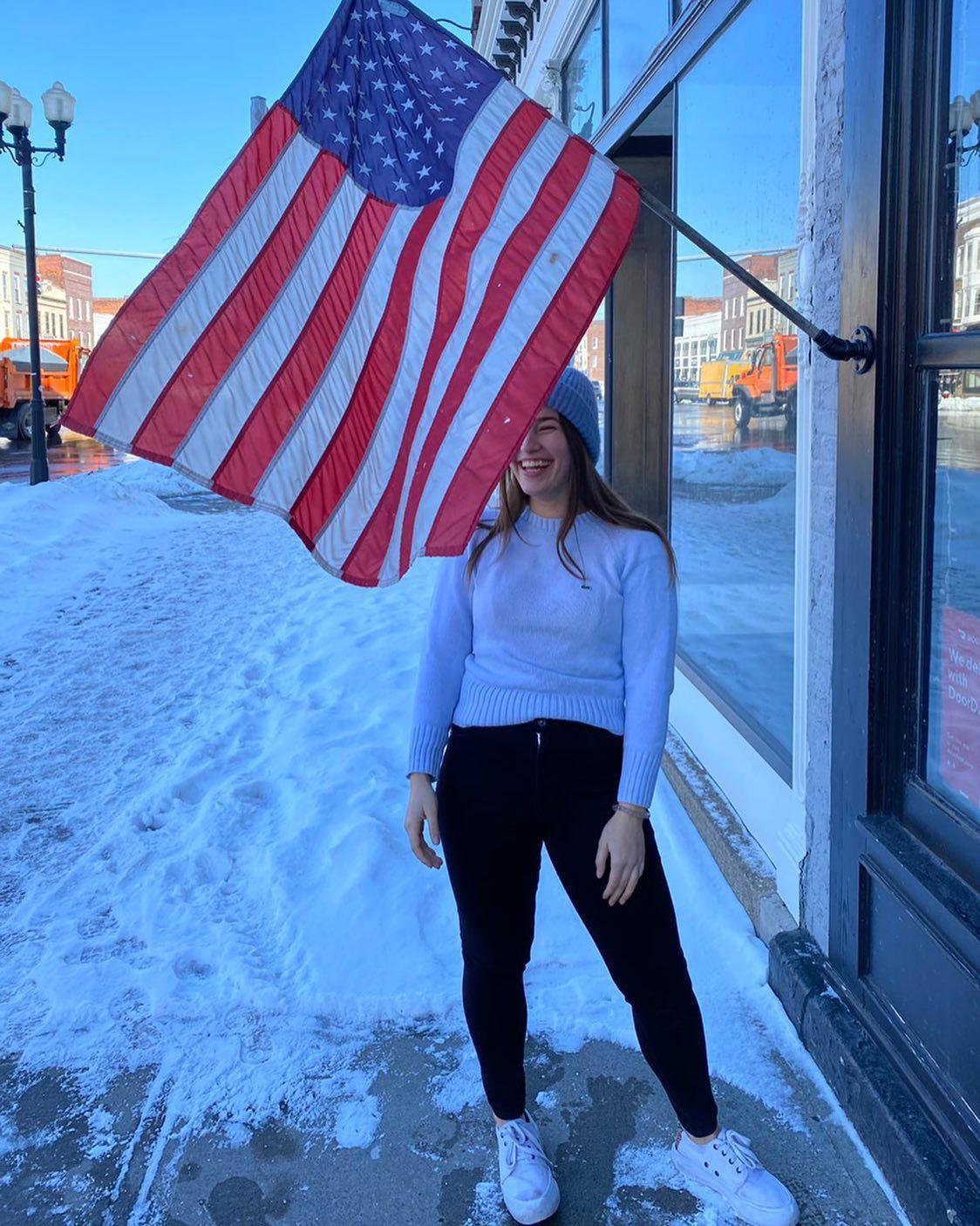 Hab' mir das obligatorische Bild mit USA-Flagge irgendwie cooler vorgestellt.…