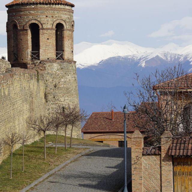 Festung und Caucasus Gebirge