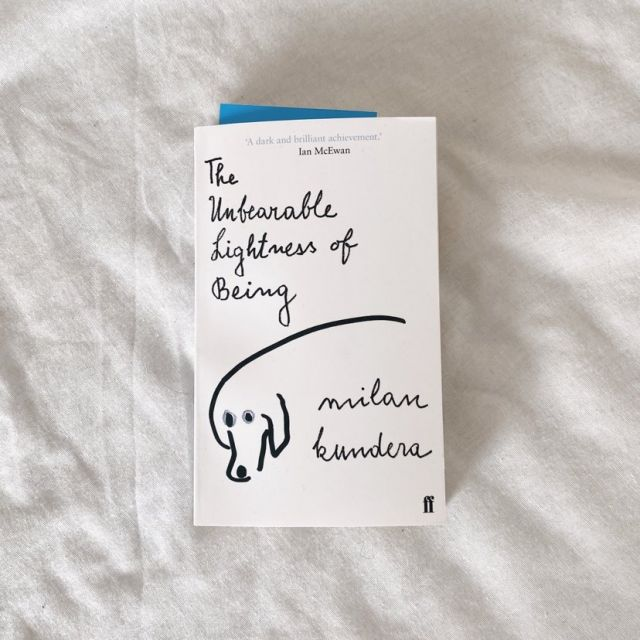 Foto von dem Buch The Unbearaable Lightness of Being von Milan Kundera