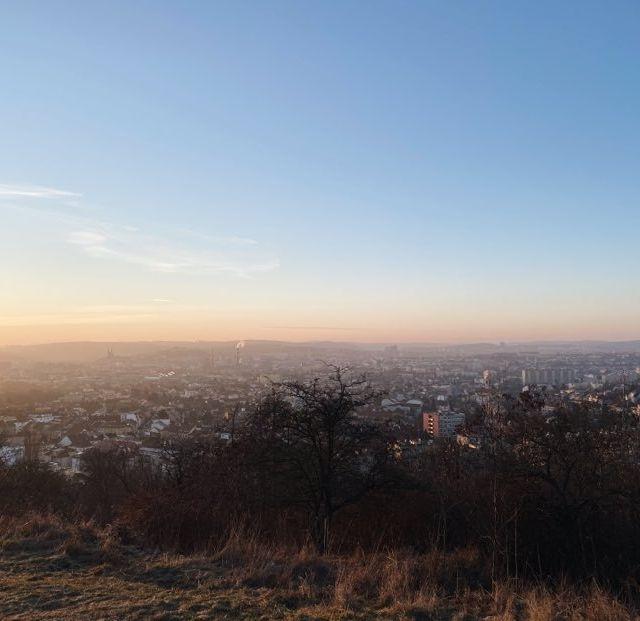 Panoramabild von Brünn bei Sonnenuntergang