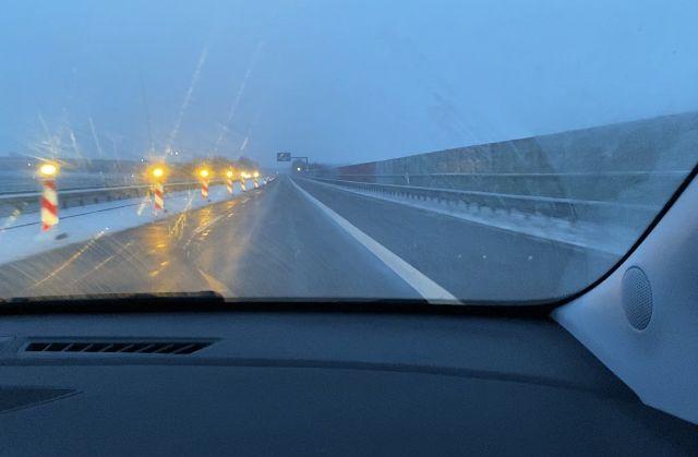 Fahrt über die Autobahn