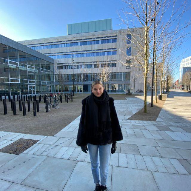 Campus Uni Kopenhagen bei schönem Wetter