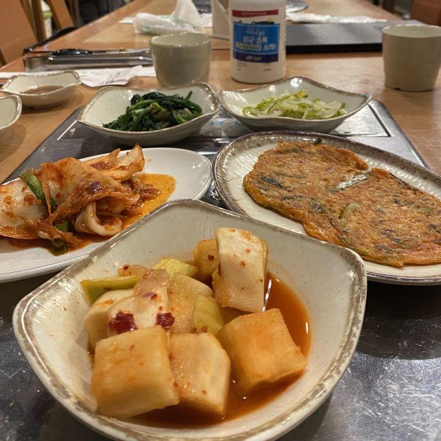 Kimchi, Gemüse, und weitere kleine Nebenspeisen