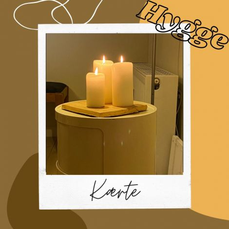 """Das #hyggewort der Woche ist """"Kærte"""" (Kerze). Mit Kerzenschein kommt…"""
