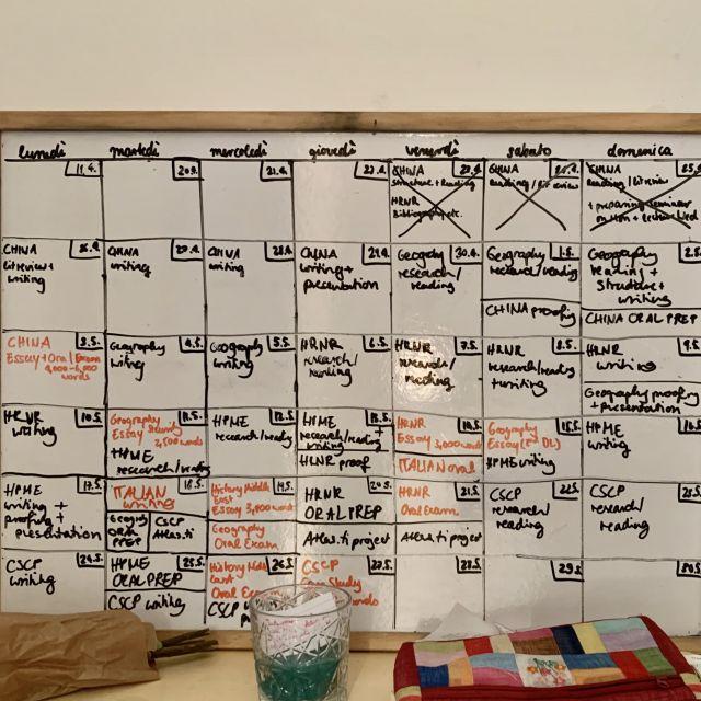 Whiteboard mit Kalendar