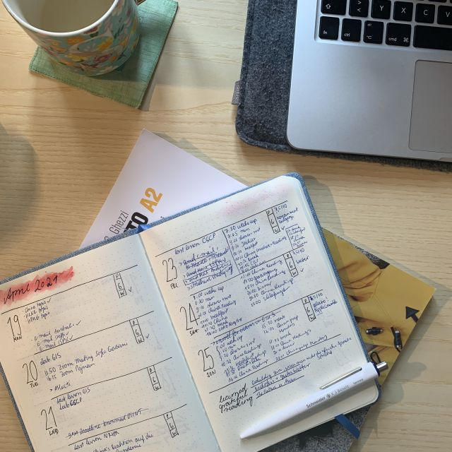 Kalendar, Laptop, Tasse