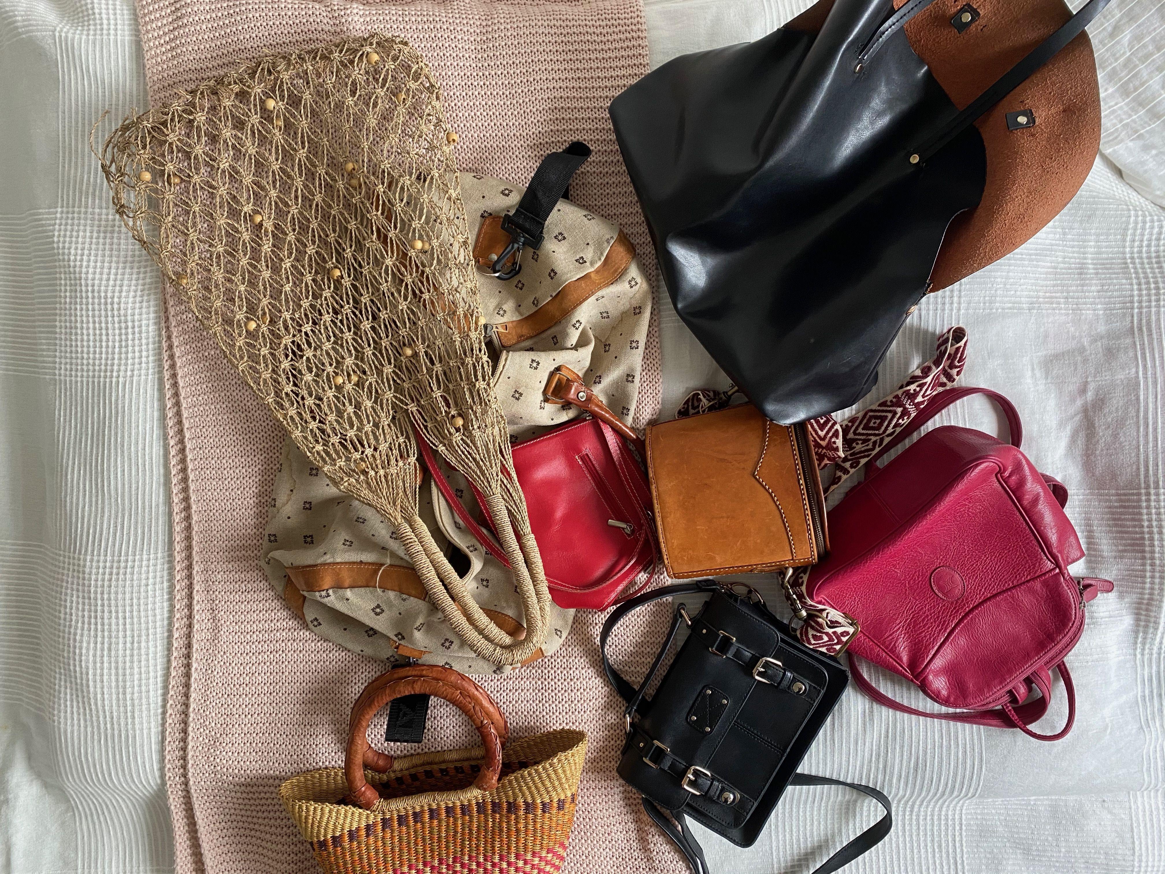 Ich packe meinen Koffer und nehme mit …?